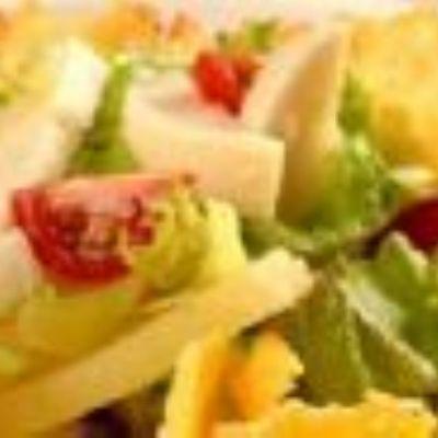 Salada de abacate, palmito, batata e tomate