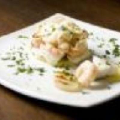 Bacalhau gratinado com camarão