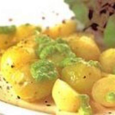 Batata com creme de iogurte e ervas